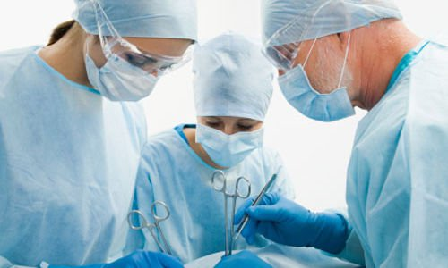 اجراء عملية جراحية نادرة